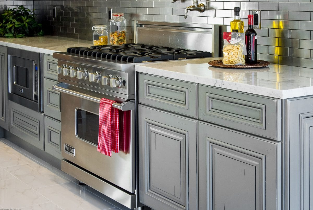 overhead cabinets with crown moulding - Kitchen Overhead Cabinets