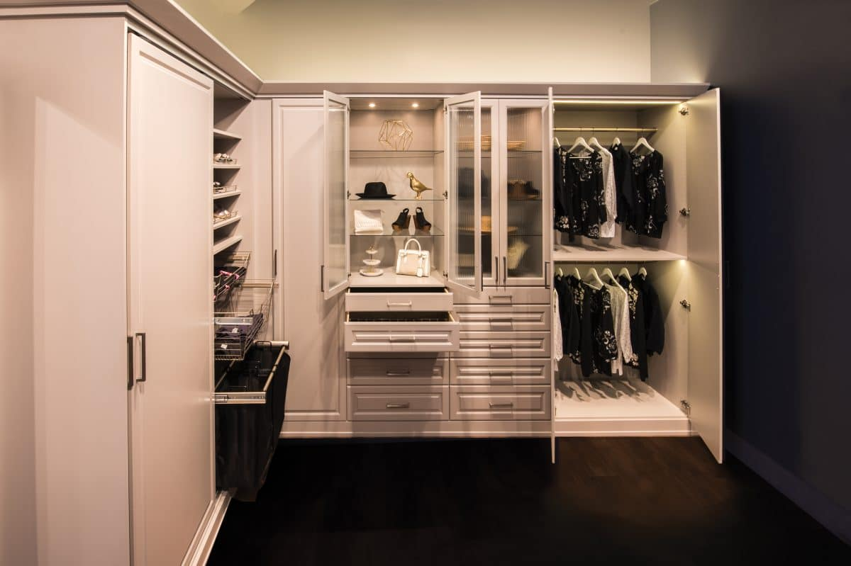 Gentil CUSTOM WARDROBE WITH DRAWERS
