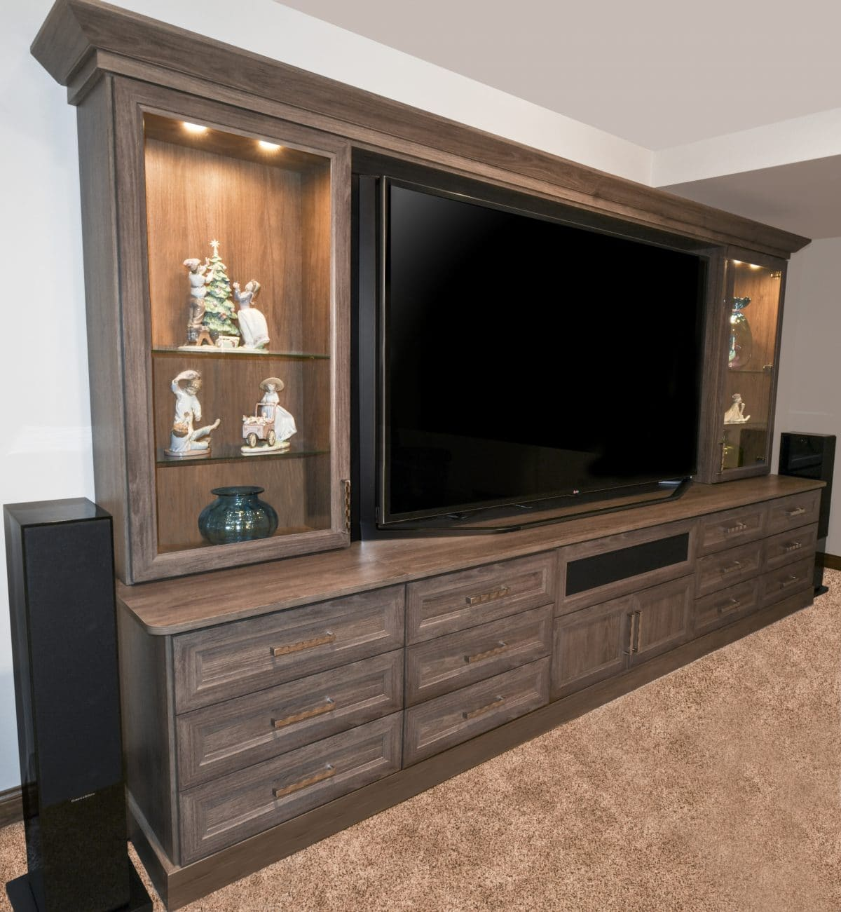 ENTERTAINMENT CENTER WITH DESK