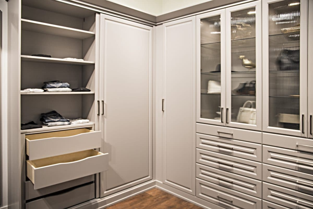 WARDROBE STYLE CUSTOM WALL CLOSET UNITS